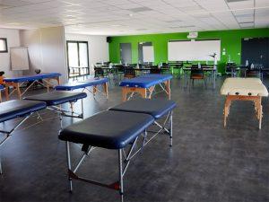 Tables de kinésithérapie chez Espace Bretagne Formation